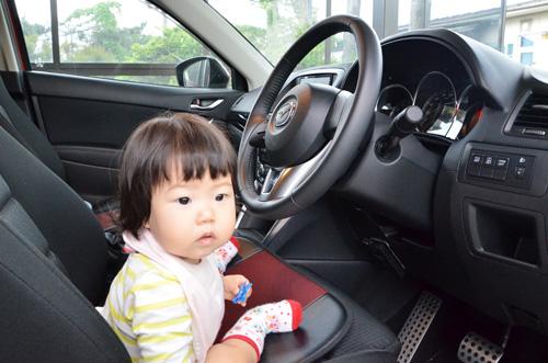 CX-5に乗った娘
