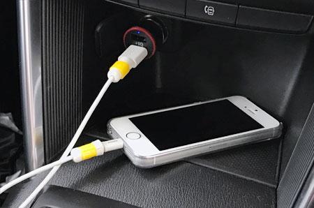 Anker PowerDrive2とiPhone