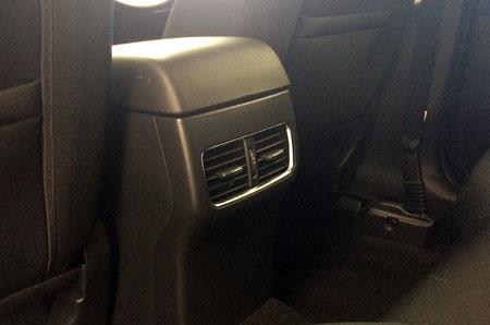 後部座席のエアコン口