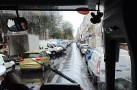 パリの路上駐車