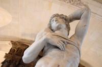 ルーブル美術館の彫刻