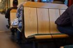 ヴェンゲルンアルプ鉄道の傾斜のついた椅子