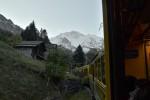 ヴェンゲルンアルプ鉄道から見た景色