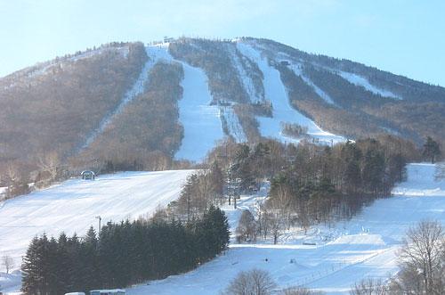 ホテルから見た安比高原スキー場