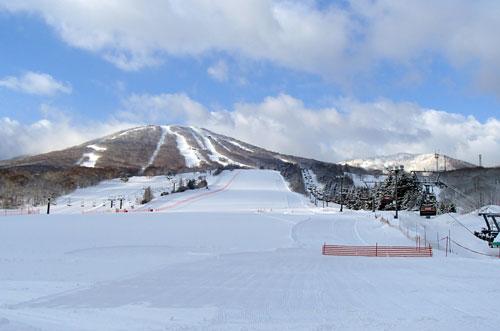 早朝の安比高原スキー場