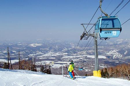 快晴の安比高原スキー場
