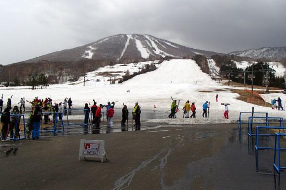 安比高原スキー場の春スキーシーズン