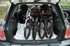MINIのトランクに入れた折りたたみ自転車