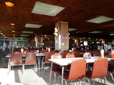 マルカンデパートの食堂