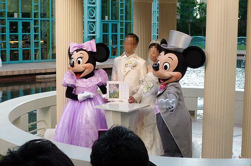 ミッキーマウスとミニーマウス