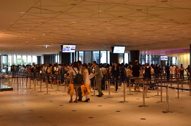 東京スカイツリーのチケット売り場の大行列